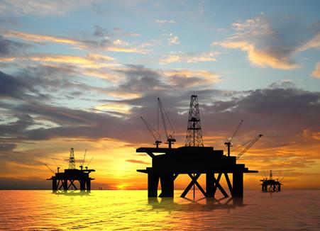 基金:油价反弹叠加改革预期 机构布局石油化工板块