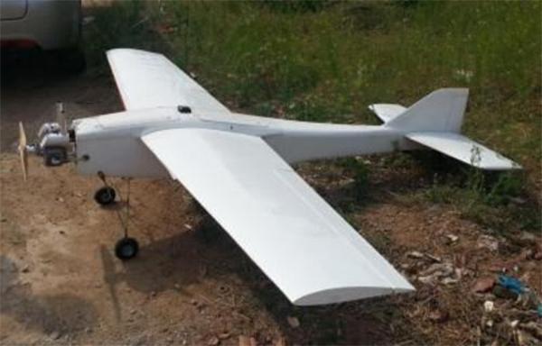 这是一张固定翼飞行器的图片,通常翼展在1米以上到十几米不等,因此在空中能被目视看到的大多是固定翼。多旋翼飞行器可参考大疆精灵系列产品。