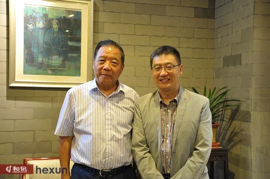 中国汽车工程学会理事长付于武(左)