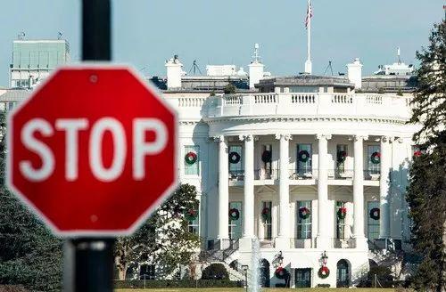这是2018年12月27日在美国华盛顿拍摄的白宫。新华社/法新