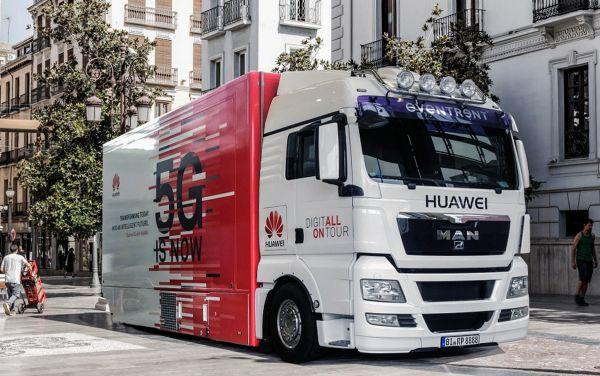 资料图:在西班牙马德里拍摄的华为5G路演的卡车实验室。