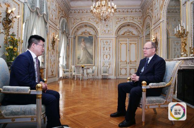 2019年3月15日,阿尔贝二世亲王在摩纳哥王宫接受新华社记者专访。新华社记者 高静摄