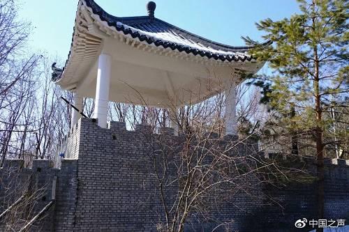 曹园围墙边上建起的角楼