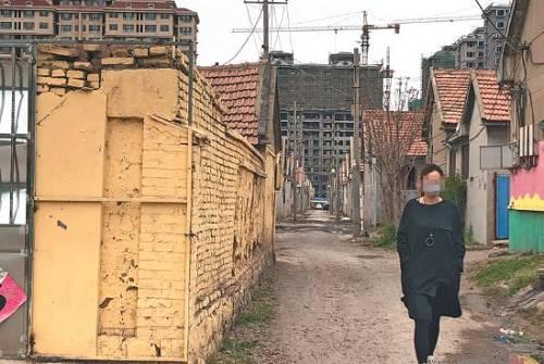 事发地山东诸城五里堡村,距离市区两三公里,有近千户人家。新京报记者 向凯 摄