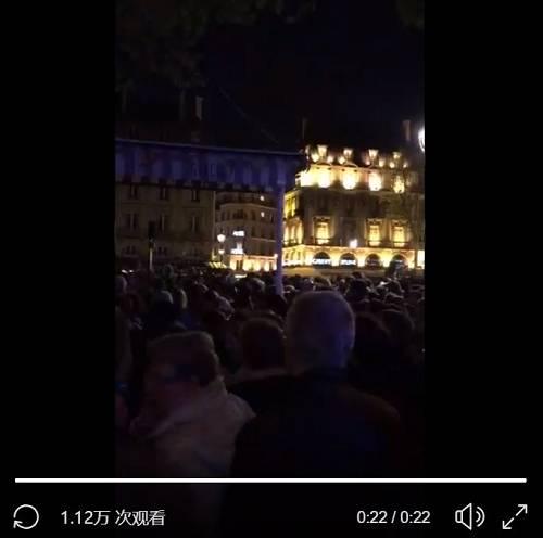 """760年高龄,巴黎圣母院被大火烧成炼狱!法国人痛哭哀叹""""国殇"""""""