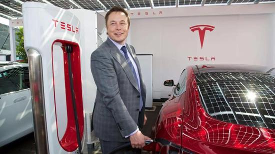 但如今的特斯拉,已经推出4款电动汽车,在全球销售超过50万辆,并且在今年下半年于上海投产新款入门级轿车Model 3。偿还债务的能力,也不在话下。