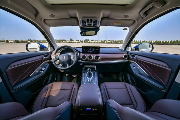 实用派升级 和讯汽车试驾新款WEY VV6