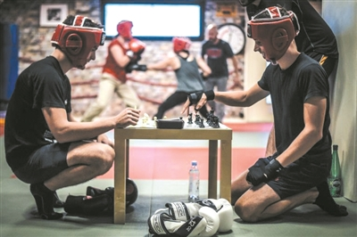 <b>随时在拳击和国际象棋之间切换 国际象棋拳击赛你听过吗?</b>