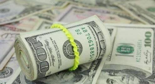 2008年國際金價開始上漲,主要是美國經濟出現了大衰退,為了穩定市場,美聯儲先後執行了四次量化寬鬆政策,這樣才催生了黃金牛市。 而目前,美國經濟還沒到衰退程度,只是數據不及預期,即使降息也是(預防式降息)。 所以,游資並沒有急著進入黃金市場避險