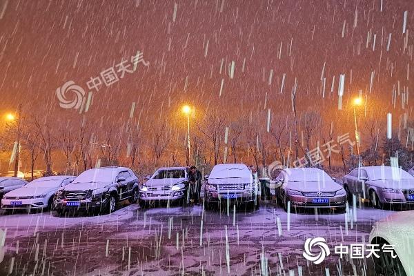 内蒙古冷空气频繁 未来三天多雨雪局地大风6至7级伴沙尘