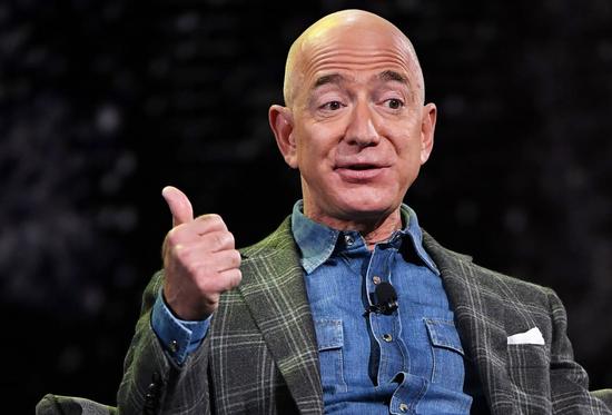 """贝佐斯捐近亿美元做慈善 批评者:""""这仅是缴纳他的税"""""""