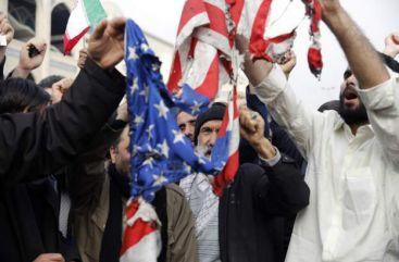 伊朗民多焚烧美国国旗(BBC)