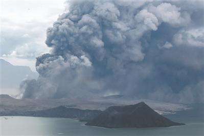 菲律宾塔阿尔火山喷发 中国驻菲大使馆发出提醒