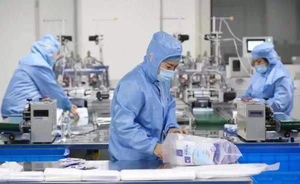 《信息联播》播发国际锐评:中国经济永远向益发展的趋势不会转折