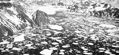 格陵兰岛和南极洲冰川加速流失