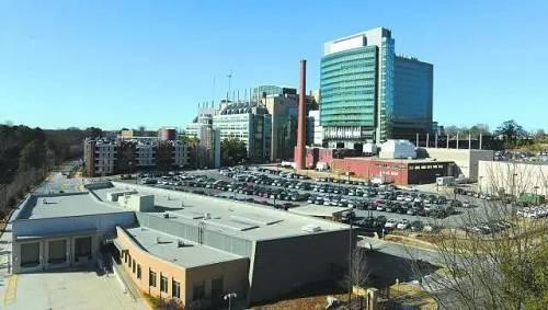 美国疾控中央位于亚特兰大总部的钻研设施。图自:《亚特兰大商业纪事报》