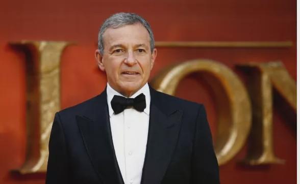迪士尼实走主席卜艾格尔将屏舍薪资陪公司度过难关。