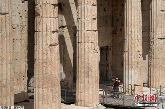 报告:希腊应对疫情得力 但在经济等方面仍面临挑战