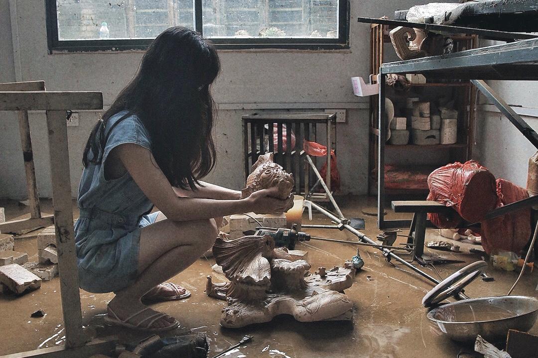 """景德镇90后陶艺师:洪水后心血化成泥,工匠精神让我们""""重启"""""""