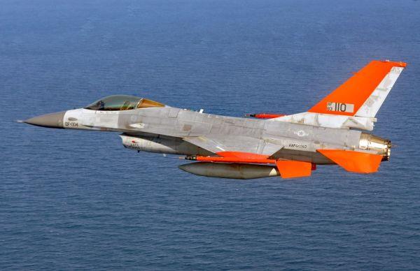 五角大楼将举办人机空战大赛:人工智能对阵F-16飞行员