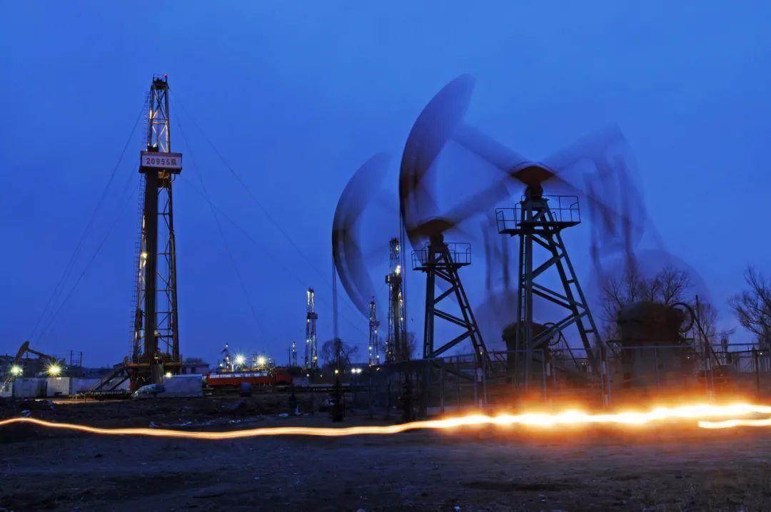 净利润大跌73%!石油巨头沙特阿美:最坏情况已过,仍计划支付750亿美元股息
