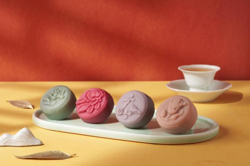 """奈雪的茶第四年推中秋月饼,呈上""""朕的心意"""""""