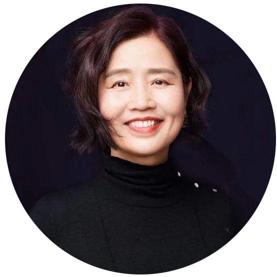 """她是清华大学教授、央视财经评论员,三次""""神预测""""经济形势,想要抓住经济周期背后的人生机遇,听听她怎么说"""