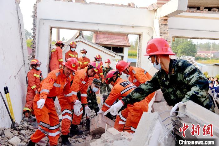 山西一民房爆炸原因为液化气瓶气体泄漏引发