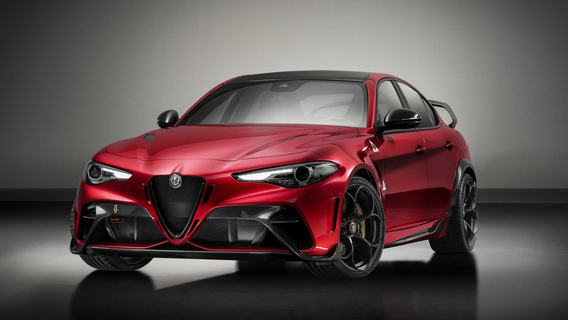 F1车手测试调校 Giulia GTA限量版将于明年入华