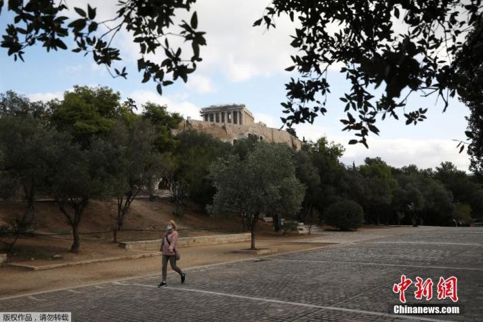 希腊新冠疫情形势依旧严峻 封锁措施致在线订单激增