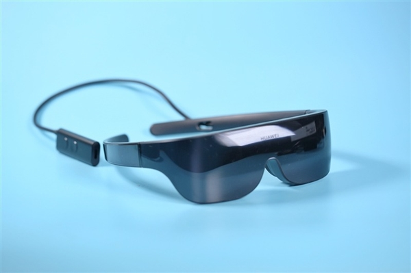 usdt第三方支付(caibao.it):华为回应VR眼镜停产谣言:明年将推新款VR GLASS套装 第1张