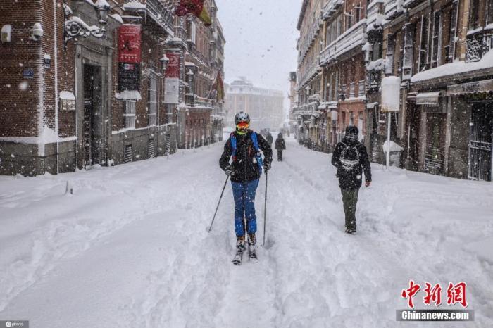 西班牙暴风雪已致4人死亡 政府派送新冠疫苗和食物