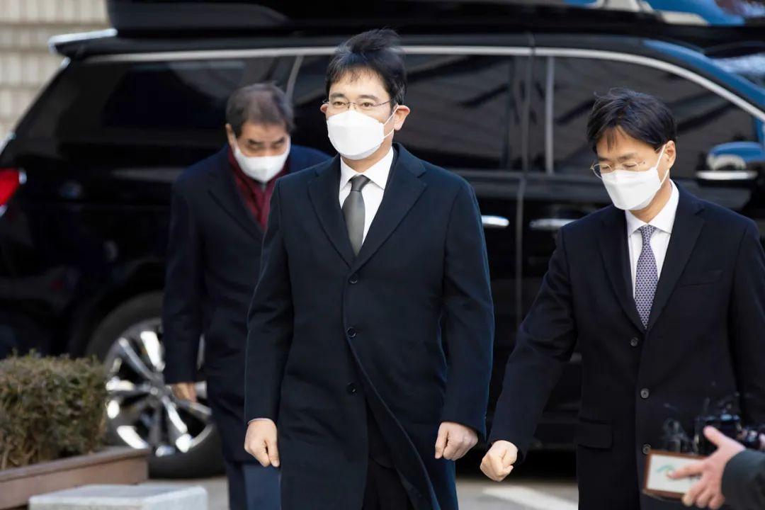 30个月有期徒刑 在李在镕法庭被捕!三星电子的市值每天蒸发1300亿韩元