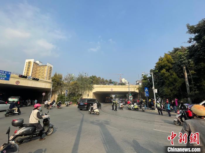 直击南宁致4死6伤交通事故现场:肇事司机已被警方控制