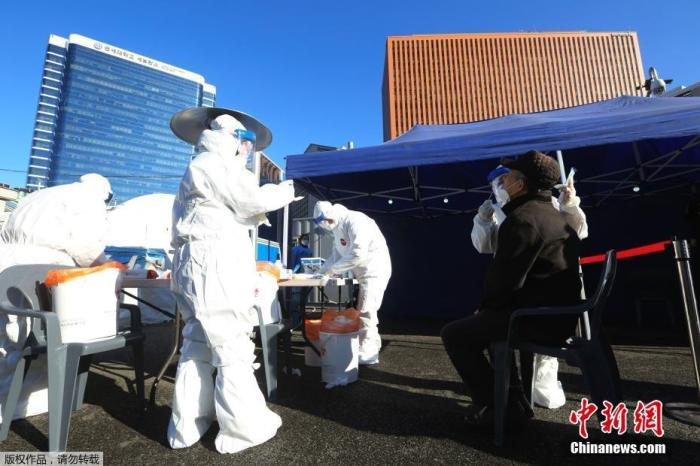 全球累计死亡病例数超240万 部分国家加速疫苗采购和接种