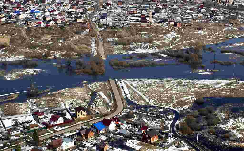 俄罗斯下诺夫哥罗德遭遇洪水侵袭