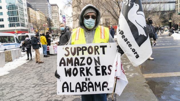 亚马逊赢得投票:仓库工人成立工会计划受挫