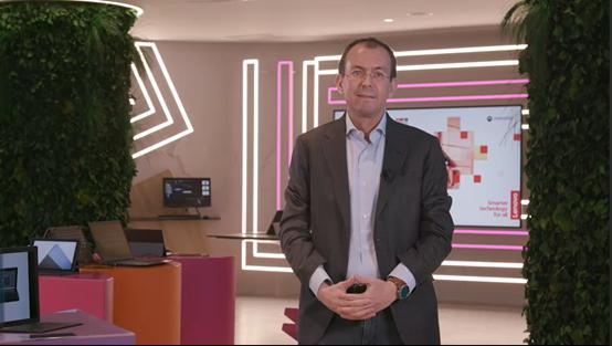 联想智能设备业务集团总裁Luca Rossi:新财年在附加服务领域超越惠普与戴尔