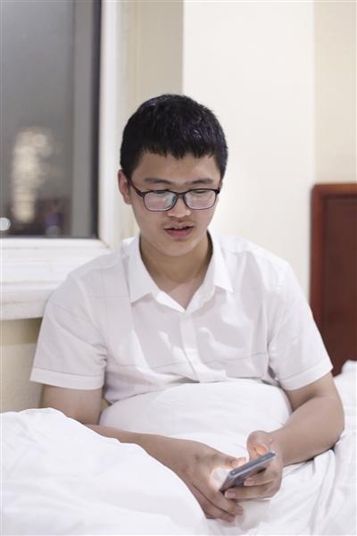 安徽霍邱截肢少年已被清华大学录取
