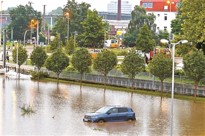 多国极端天气频发 敲响气候变化警钟