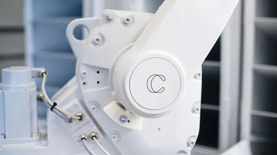创业两年获1.47亿美元融资,通用人工智能Covariant为机器人「注入灵魂」