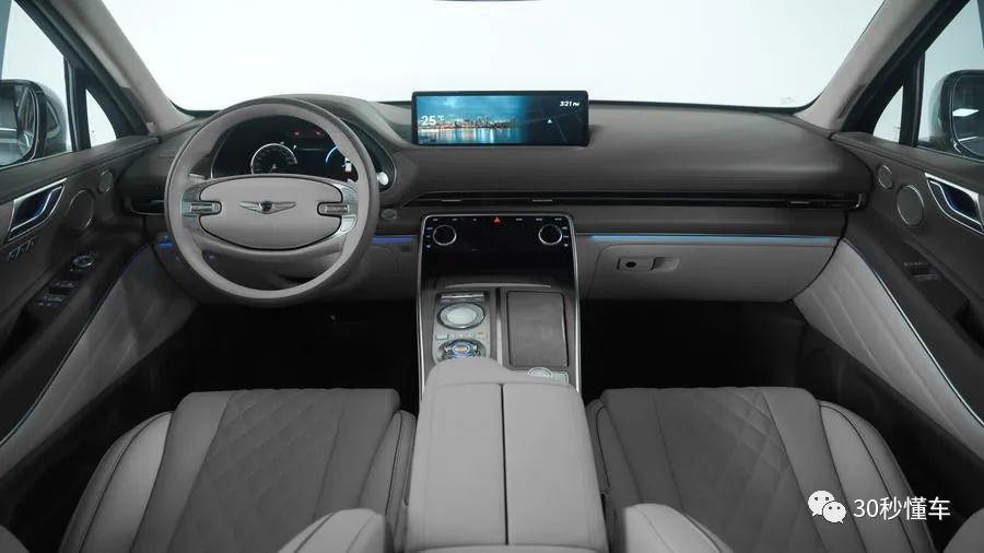 全系2.5T 宾利设计师新作 吊打丐版BBA 捷尼赛思GV80新车首测