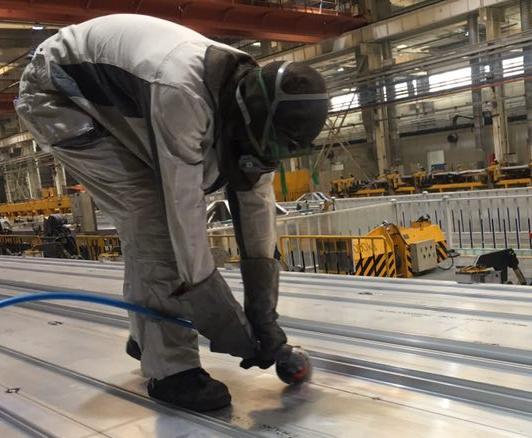 """激光清洗进入高铁行业,""""清焊一体化""""促进高铁清洗智能升级"""