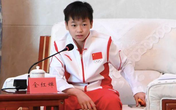新闻8点见丨孟晚舟平安回家:信念如果有颜色,那一定是中国红