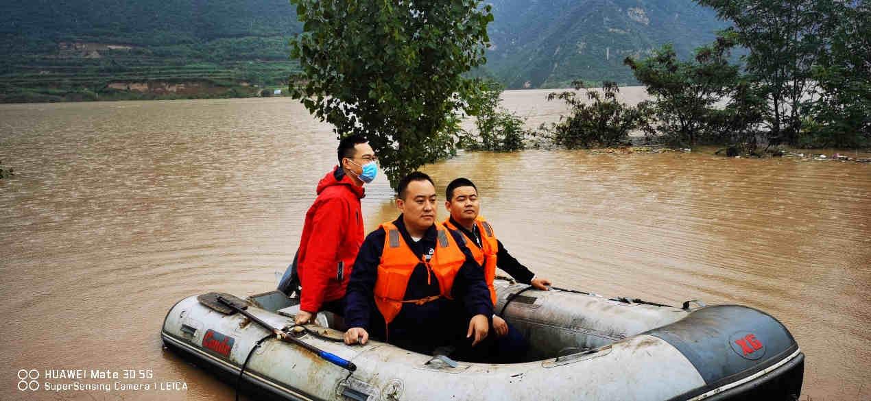 """风里雨里 """"晋""""心尽力  防汛救灾中国太保在行动"""